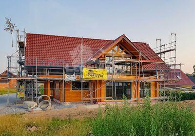 Blockbohlenhaus von LeonWood, Familien-Villa, modernes Holzhaus, ökologisch Bauen