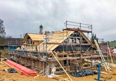 Rundstammhaus Elch Augsburg, Terrasse, Gaube, Baustoff Holz