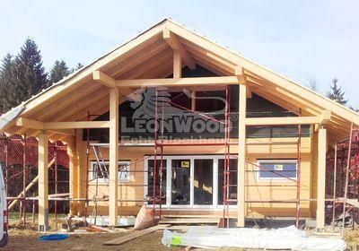 Blockhaus Espoo mit chrakteristischem Außenbereich - LéonWood® im Oktober 2018