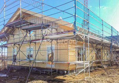 Blockhaus von LeonWood mit Galerie und Balkon, Holzhaus, Baustoff Holz